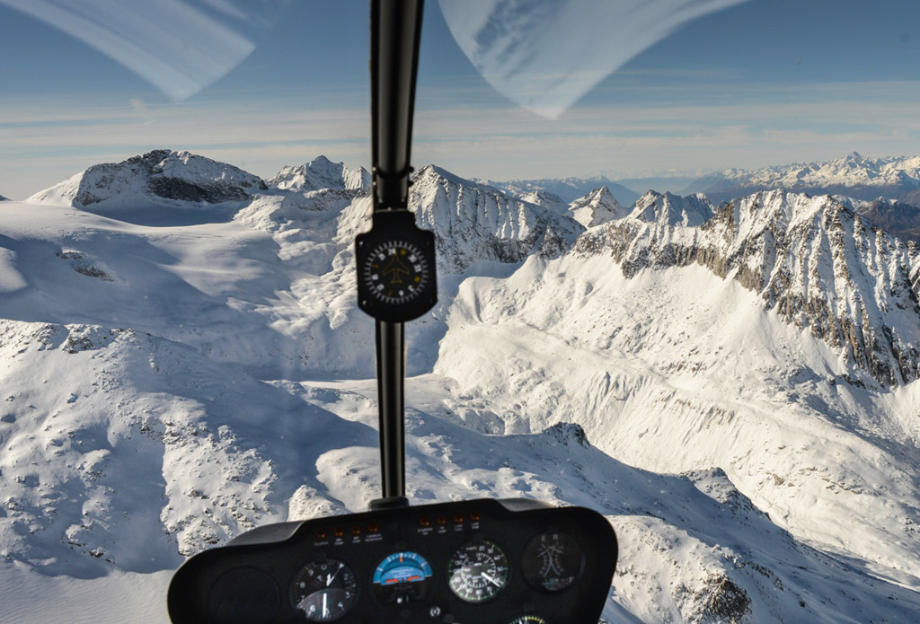 Helicopter Tour in Rhaetian Alps