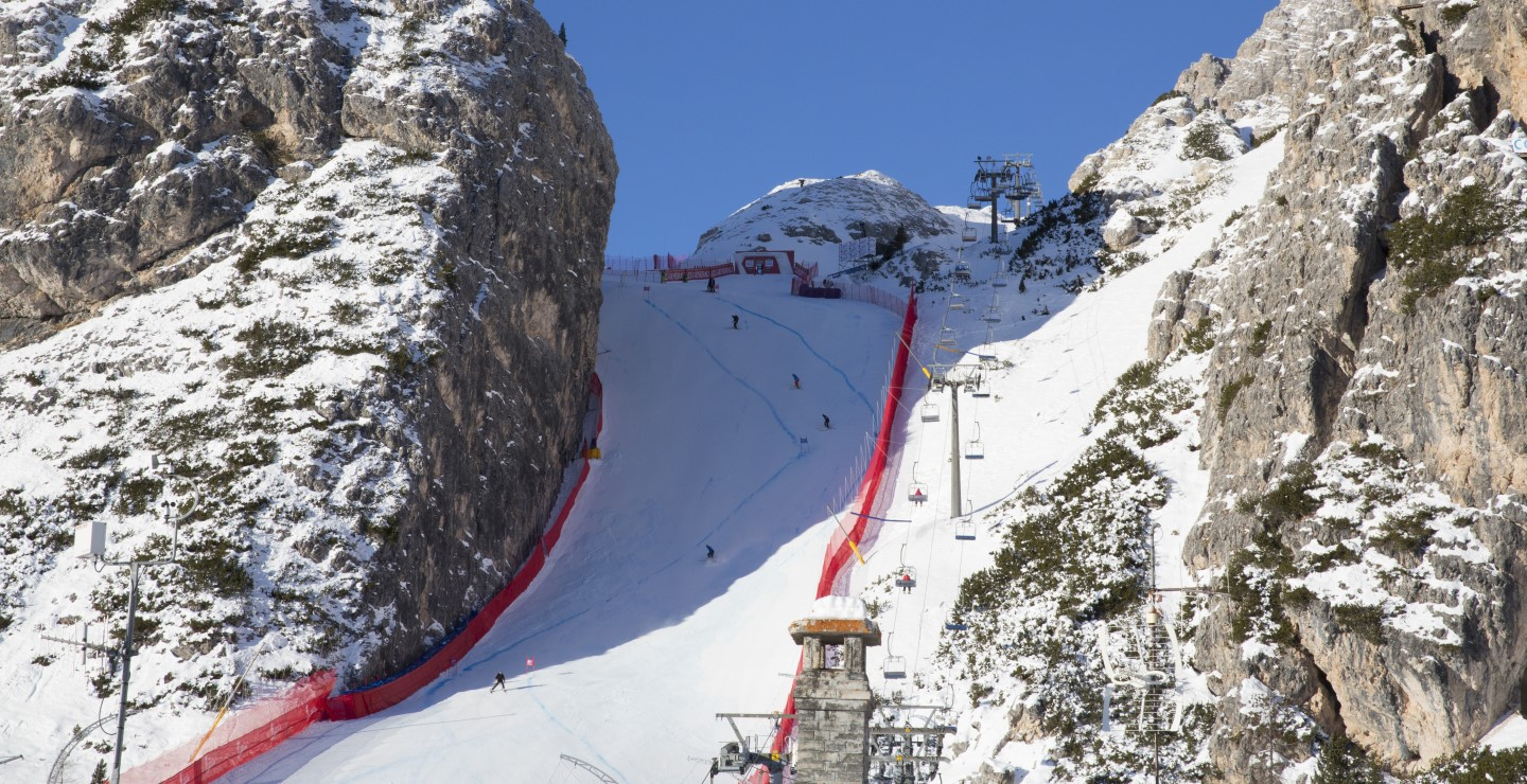 Helicopter transfer to Cortina Ski World Cup Finals