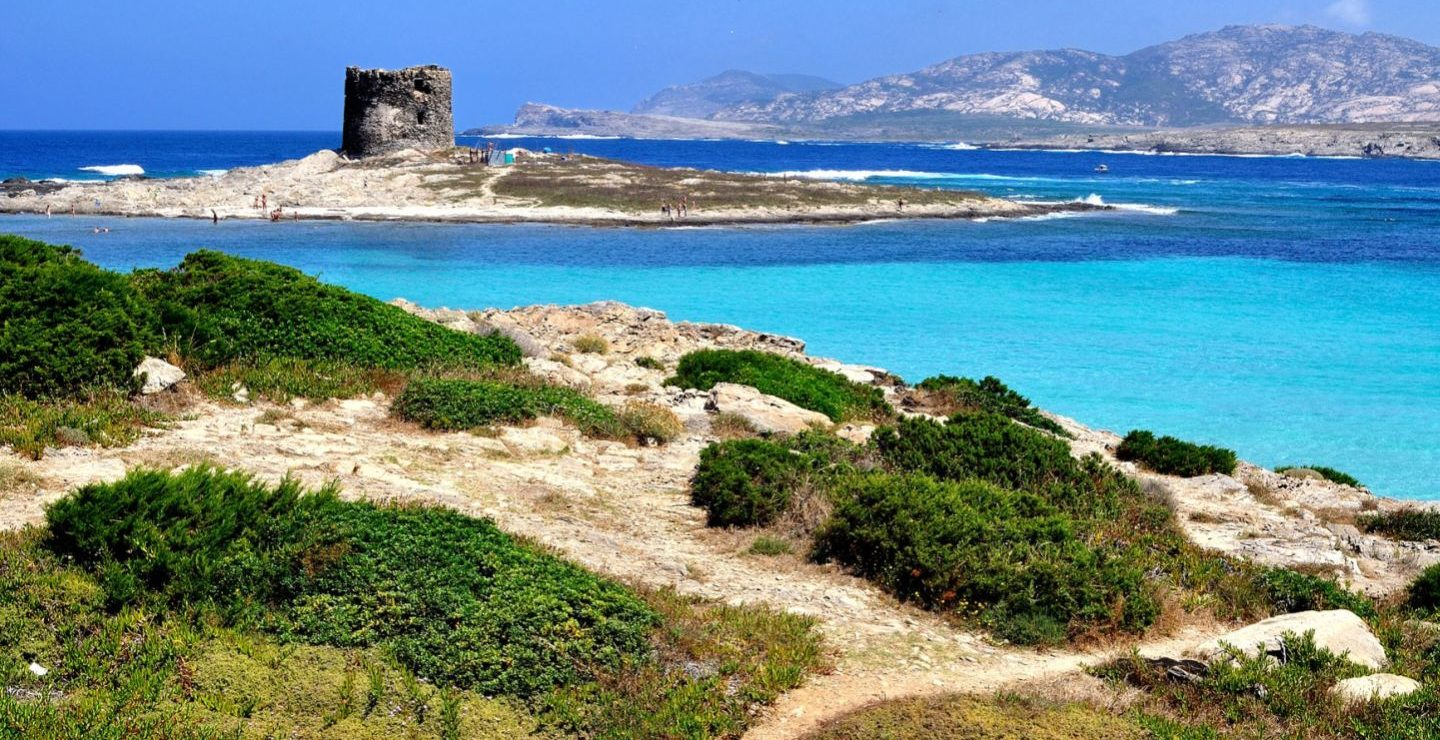 Helicopter Magazine island of Sardinia